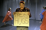freehugs_esitys